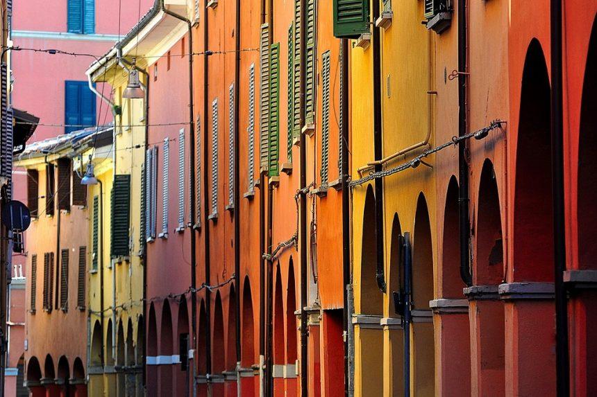 Bologna e la social street: dove rinasce il senso di vicinato