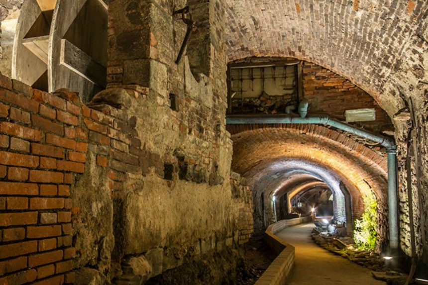 Signs of the past: Pistoia Underground