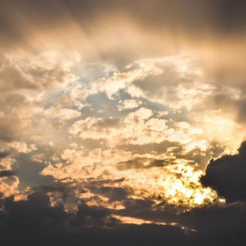 """Nutrire sempre speranza, anche nei momenti oscuri: """"Il manoscritto ritrovato ad Accra"""""""
